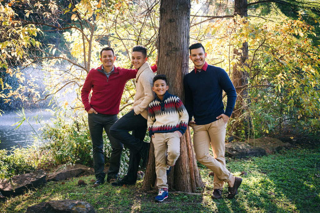 Outdoor sibling photoshoot in DFW family portrait