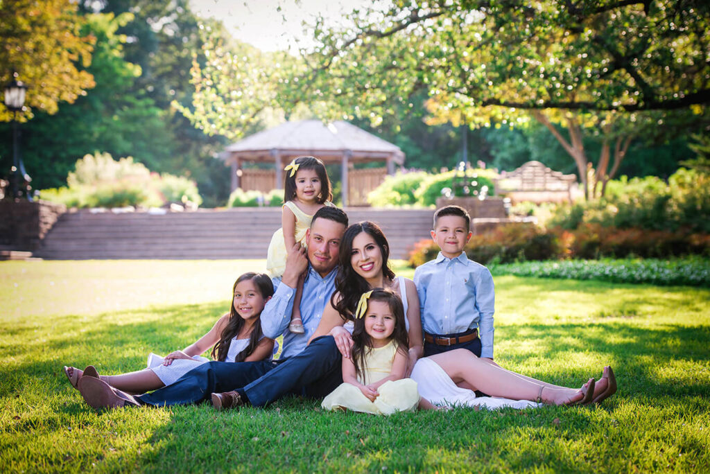 Professional family portrait shoot in the park