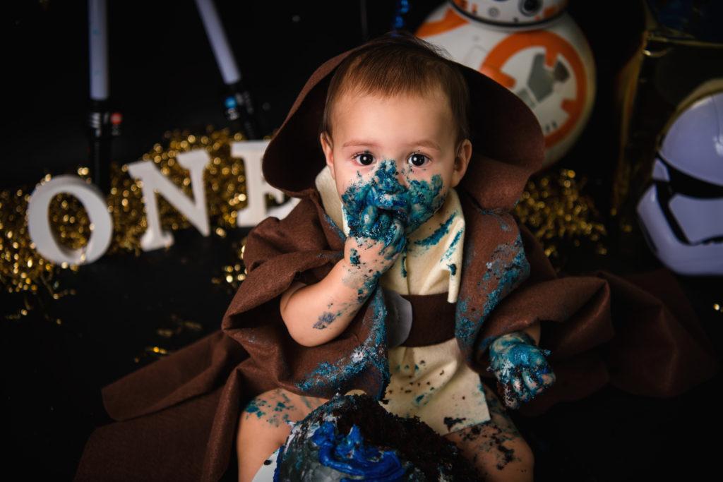 1 year old cake smash photography Star wars photo