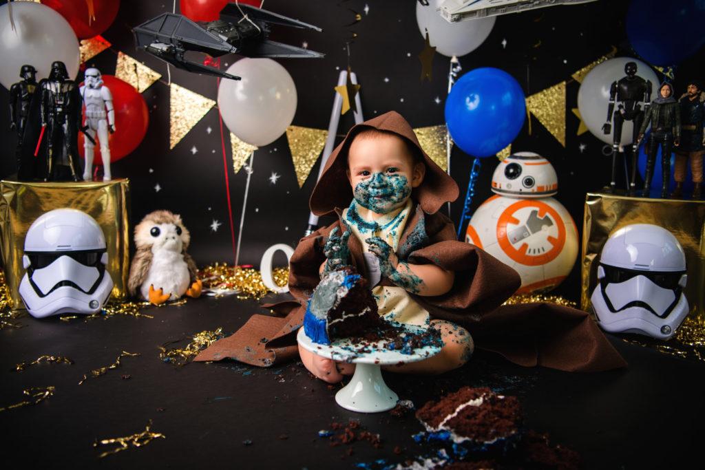Baby Jedi baby boy cake smash themes