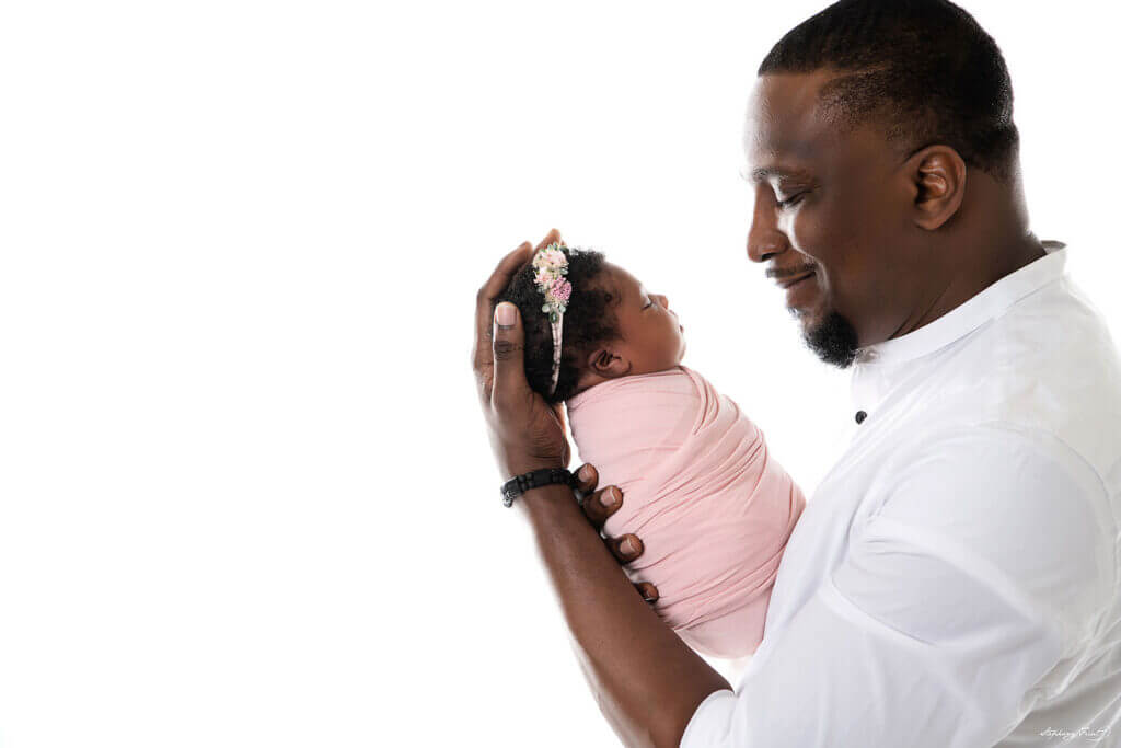 newborn photography with Dad in DFW